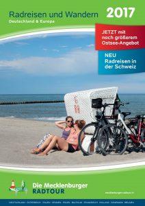 """Cover Katalog """"Radreisen und Wandern 2017"""" der Mecklenburger Radtour GmbH"""