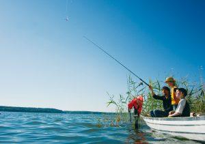 Familienangeln auf dem Plauer See (Hendrik Silbermann)